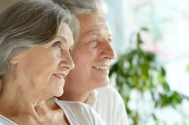 Oma und Opa freuen sich