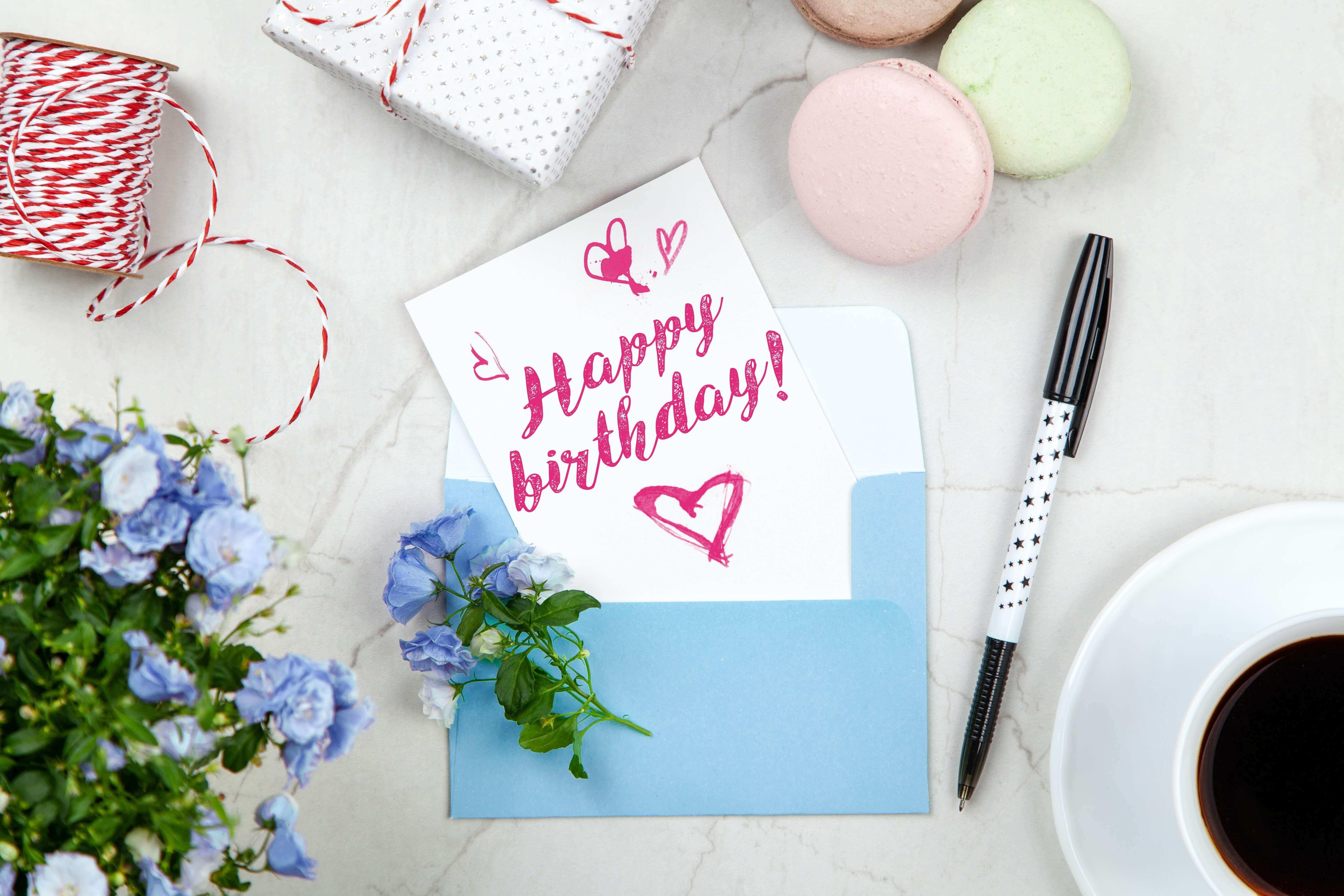 Herzliche Glückwünsche zum Geburtstag