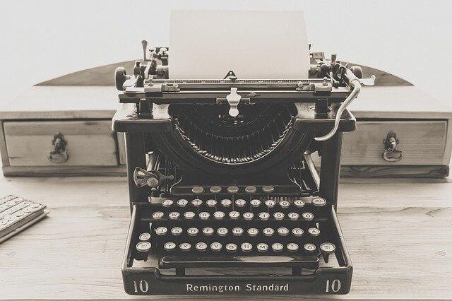 Schreibmaschine zum Texte schreiben